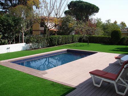 Instalaci n de c sped artificial cumagreen piscinas de - Cesped artificial piscinas ...