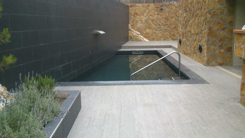 Construcción de Piscina original en La Mora, Tarragona